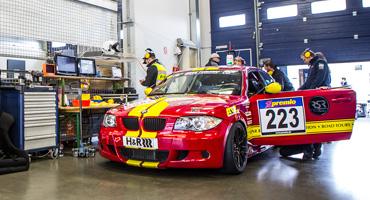 Intră în competiție pe Nürburgring